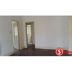 Three bedrooms house for rent, located in Malhangalene