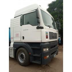 MAN D26 truck