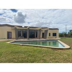 Vende-se Excelente Moradia T4 dentro do Condomínio Pôr do Sol Africano no Município de Boane, Belo Horizonte, Terreno 30x40