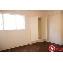 Three  bedrooms Flat to rent in Alto-Maé