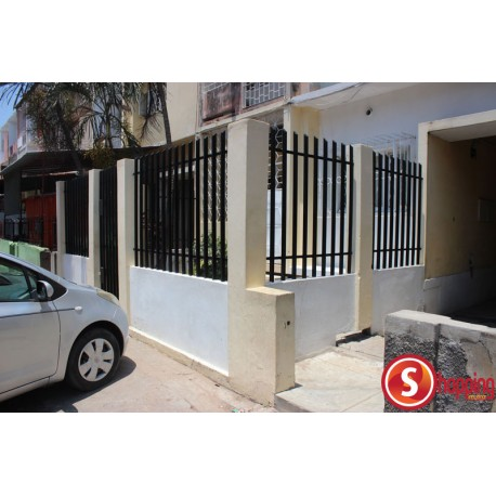 Two bedrooms House for rent in Malhangalene